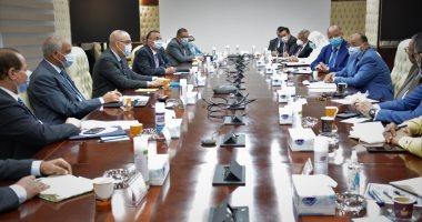 وزير التنمية المحلية: إلزام مالكى العقارات بطلاء الواجهات الأربعة للمبانى