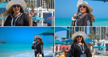 بـ4 صور على الشاطئ.. ليلى علوى تستمتع بصيفها فى العلمين الجديدة