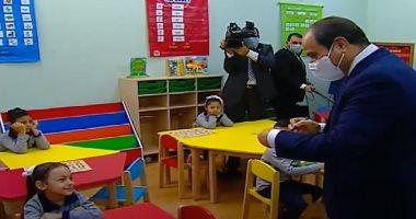 """""""ابنتى ساندى ربنا يحفظك"""".. رسالة الرئيس السيسي لطفلة الأسمرات"""