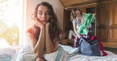 """ما هو تفسير الحلم بإنهاء العلاقة العاطفية؟ لو مرتبط أو حتى """"سنجل"""""""