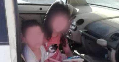 السعودية نيوز |                                              فيديو.. إنقاذ طفلين بالسعودية عالقين بسيارة تحت لهيب الشمس