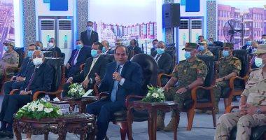 الرئيس السيسى: من حق الدولة إلزام السيارات الجديدة باستخدام الغاز للترخيص