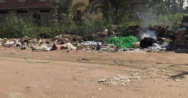 صور.. شكوى من تلال القمامة بقرية العزيزية مركز البدرشين بمحافظة الجيزة