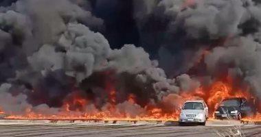 المرور تنصح السائقين بالابتعاد عن موقع حريق ماسورة بترول بطريق الإسماعيلية.. فيديو