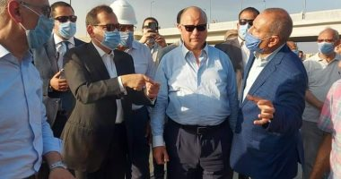 محافظ القاهرة يتفقد حريق خط البترول