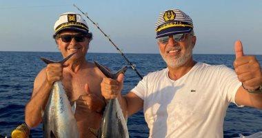 راغب علامة يخوض رحلة صيد على يخت والحصيلة أسماك عملاقة.. صور
