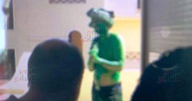 الرجل الأخضر المتهم باقتحام مدينة الانتاج