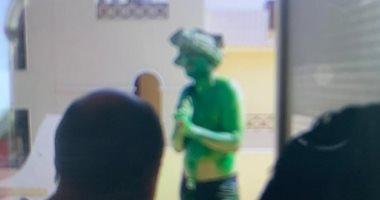 """تفاصيل التحقيقات فى واقعة مقتل """"الرجل الأخضر"""" أثناء اقتحام مدينة الإنتاج الإعلامى.. المتهم خلع ملابسه ودهن نفسه بلون أخضر وردد """"الله أكبر"""".. الأمن حاول السيطرة عليه بالمياه والحجارة والهراوات فأصابهم بسلاحه"""