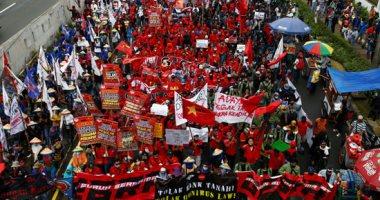 تنظيمات نقابية وجماعات إسلامية إندونيسية تستعد لتحدي قانون العمل أمام القضاء