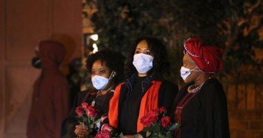 تشييع جثمان ابنة نيلسون مانديلا.. والحزن يسيطر على المشيعين (صور)