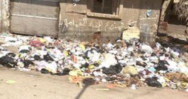 قارئ يشكو انتشار القمامة فى شارع الجلاء بالمنصورة