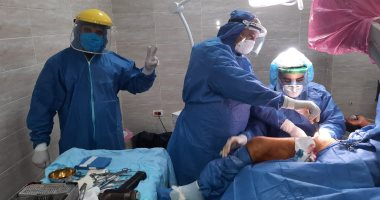 صور.. إجراء جراحة جديدة لمصاب بفيروس كورونا داخل مستشفى الأقصر العام
