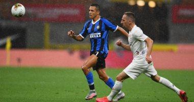 فيورنتينا يعطل إنتر ميلان ويبعده عن وصافة الدوري الإيطالي