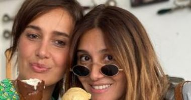 حلا شيحة تستعيد ذكرياتها مع تامر حسنى وشقيقاتها بفيديو
