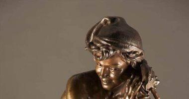 تمثال برونزى فى متحف المجوهرات ضمن مجموعة أولاد على شاطئ البحر.. اعرف حكايته
