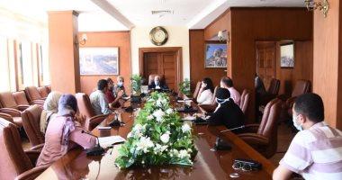 محافظ بورسعيد يبحث المخطط العام لمنطقة القابوطى الجديد