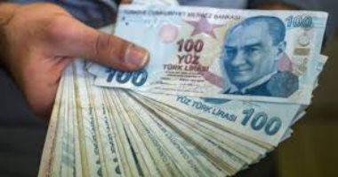 الليرة التركية تسجل منخفضا جديدا عند 8.0 مقابل الدولار