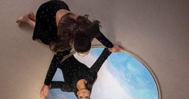 """إليسا تطلق نسخة جديدة من ألبوم """"صاحبة رأى"""" تحمل مفاجأة"""