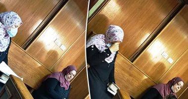 والدة منار سامى: بعت الغسالة والتلاجة لأدفع الكفالة وبنتى تدمرت نفسيا