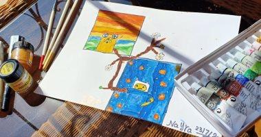 """الطفلة """"نيرة"""" تشارك """"صحافة المواطن"""" عددا من رسوماتها"""