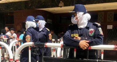 الشرطة النسائية تؤمن الفتيات من التحرش بوسط البلد فى احتفالات العيد.. فيديو وصور