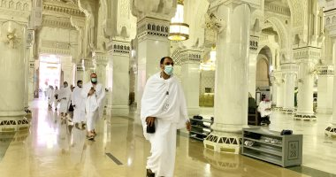صور.. الحجاج يتوافدون على المسجد الحرام لأداء طواف الإفاضة
