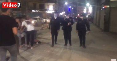 شاهد.. حملة ليلية بقيادة الشرطة النسائية علي السينمات وشوارع القاهرة