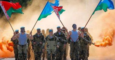 بعروض عسكرية مهيبة.. قوات البيلاروسية تحتفل بالذكرى 90 للقوات المحمولة جوا في مينسك