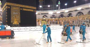 57.4 ألف لتر يومياً لتعقيم وتطهير وتعطير المسجد الحرام عبر 3500 عامل