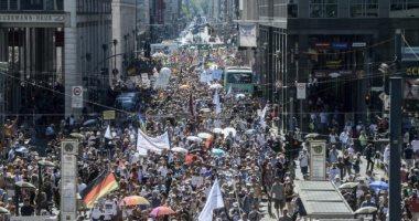 شرطة ألمانيا تفض تظاهرة تعتبر كورونا مؤامرة وتطالب باستقالة الحكومة.. صور
