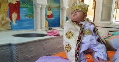 صور.. دير مارجرجس بالرزيقات يستقبل أول طفل لتعميده بعد 134 يوما من الإغلاق