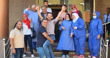 """احتفالات بمستشفى الأقصر  بعد شفاء آخر مصابين بكورونا وإغلاق """"العزل الصحى"""""""