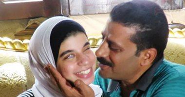 سامية الأولى على الثانوية العامة مكفوفين تفوز بمنحة مجانية لدراسة الإعلام بجامعة القاهرة