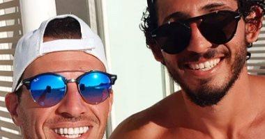 أحمد حجازى يستمتع بإجازة الصيف بعد عودة فريقه للدورى الإنجليزى الممتاز