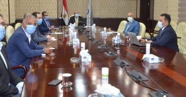 """وزير الإسكان يستعرض آليات تطوير مدينة """"سانت كاترين"""" بجنوب سيناء"""