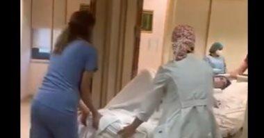 لحظات الولادة السعيدة تتحول لكارثة فى غرفة العمليات بسبب تفجير بيروت.. فيديو