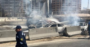 المرور: حادث تصادم تسبب فى انقلاب سيارة نقل مواد بترولية وتفحم 7 سيارات