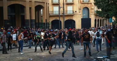 متظاهرون فى لبنان