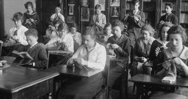 الأنفلونزا الأسبانية.. مدارس نيويورك وشيكاجو تواصل فتح المدارس أثناء وباء 1918