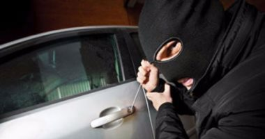 صورة متهم بسرقة سيارة في التبين: بوصل الأسلاك وأبيعها خردة والنيابة تحيله للمحاكمة