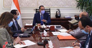صور.. رئيس الوزراء يتابع خطوات إعادة هيكلة الوزارات والجهات التابعة