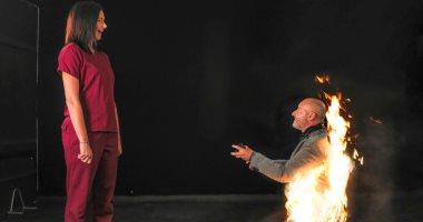 فيديو وصور.. بريطانى يشعل النار فى نفسه أمام حبيبته لتوافق على الزواج