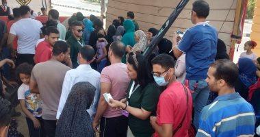 صور..طوابير الناخبين لعدة أمتار خارج اللجان فى بدر بالقاهرة
