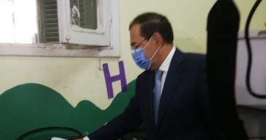 وزير البترول خلال الإدلاء بصوته: مجلس الشيوخ إثراء للحياة النيابية