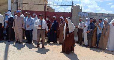 طوابير على لجان الانتخابات بمدينة الشيخ زويد في شمال سيناء.. فيديو وصور