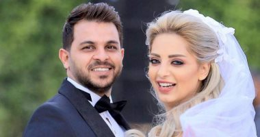 حذف صورها.. انفصال محمد رشاد عن زوجته المذيعة مى حلمى (فيديو)