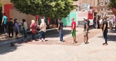 رغم ارتفاع درجة الحرارة طابور شباب بالشرقية للتصويت فى انتخابات الشيوخ