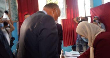 فيديو وصور.. وزير الخارجية يدلى بصوته فى انتخابات الشيوخ بالقاهرة الجديدة