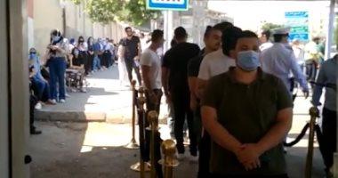 فيديو.. توافد المواطنين على لجان مدرسة عمر بن الخطاب بمصر الجديدة
