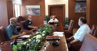محافظ بورسعيد يتابع سير العمل بعدد من المشروعات الخدمية الجارى تنفيذها